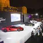 Les belles Lamborghini italiennes défilent à Tokyo